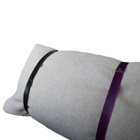Hallingdal pude lysegrå med to læderremme - Det Lille Læderi