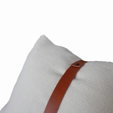 Hallingdal pude natur med læderstrop - Det Lille Læderi