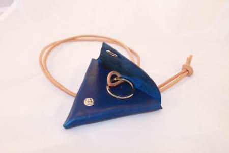 Trekantspung blå åben Det Lille Læderi
