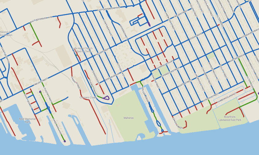 Dead-ends, loops and one-route-only roads on Detroit's east side. Via sprawlmap.org