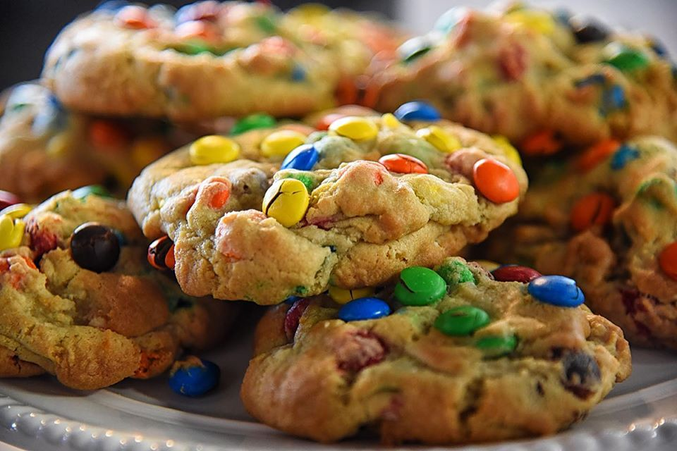 Treat Dreams m&m cookies curbside pickup