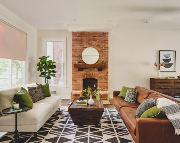 Living room in home for sale, staged by Detroit Staged