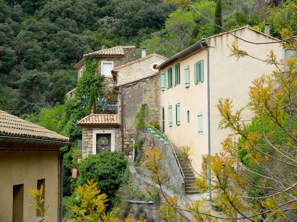 village-lastours-aude_blog detours du monde