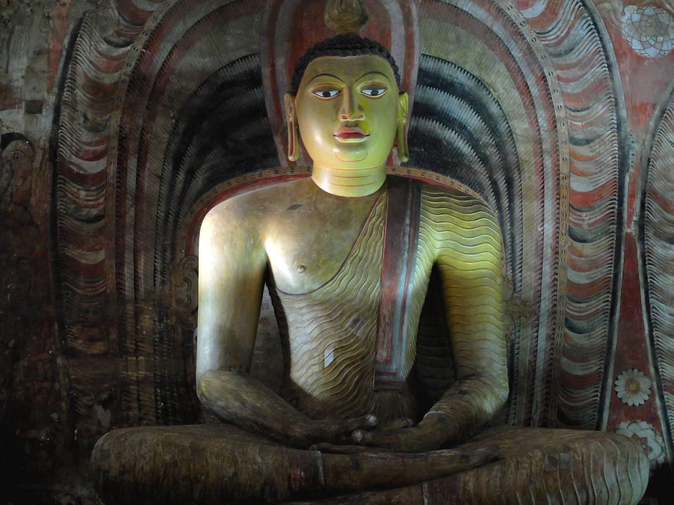 buddha dambulla temple
