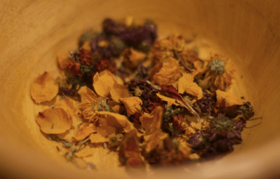 herbal-steam-facial-mix-in-bowl