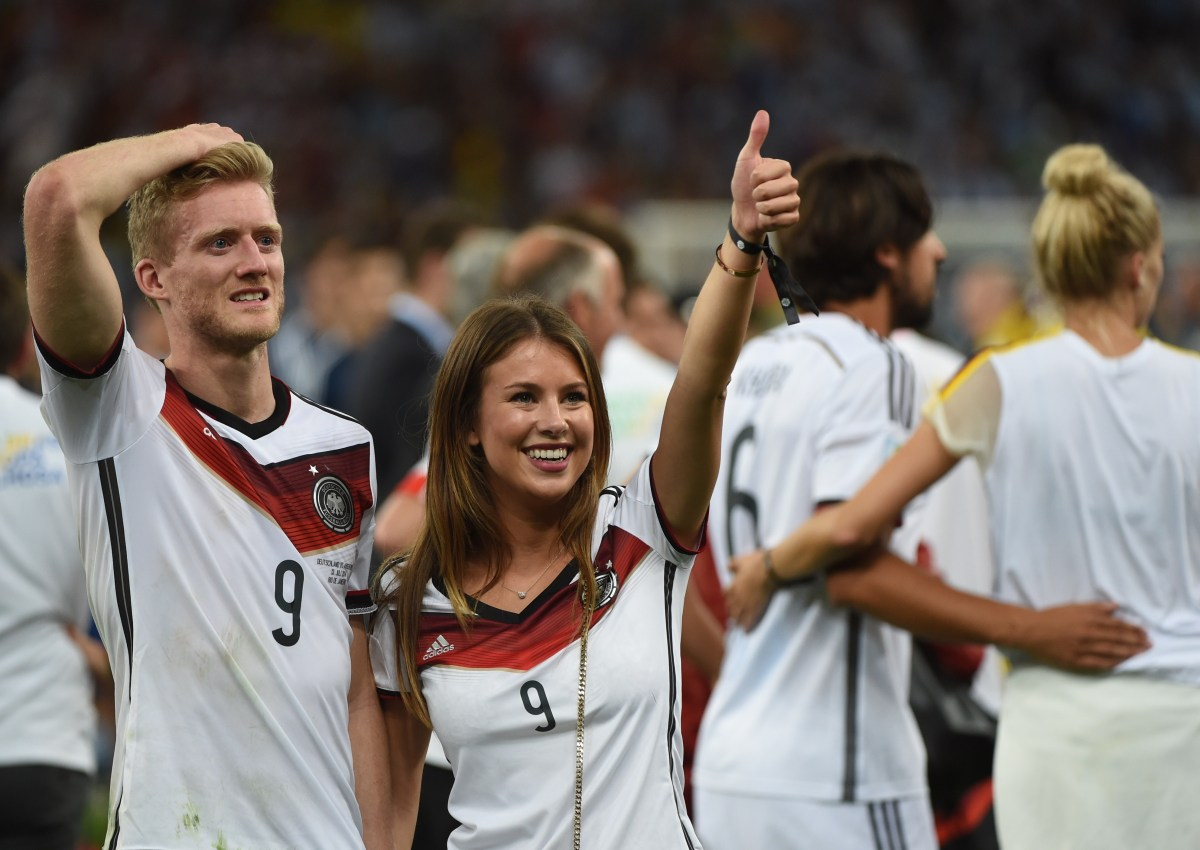 Andre Schuerrle with his girlfriend Montana Yorke (credit: AFP / Patrik Stollarz)