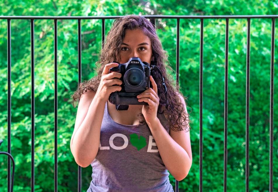 Corinne VanOstran is the Official Photographer of Detroit Bookfest 2021