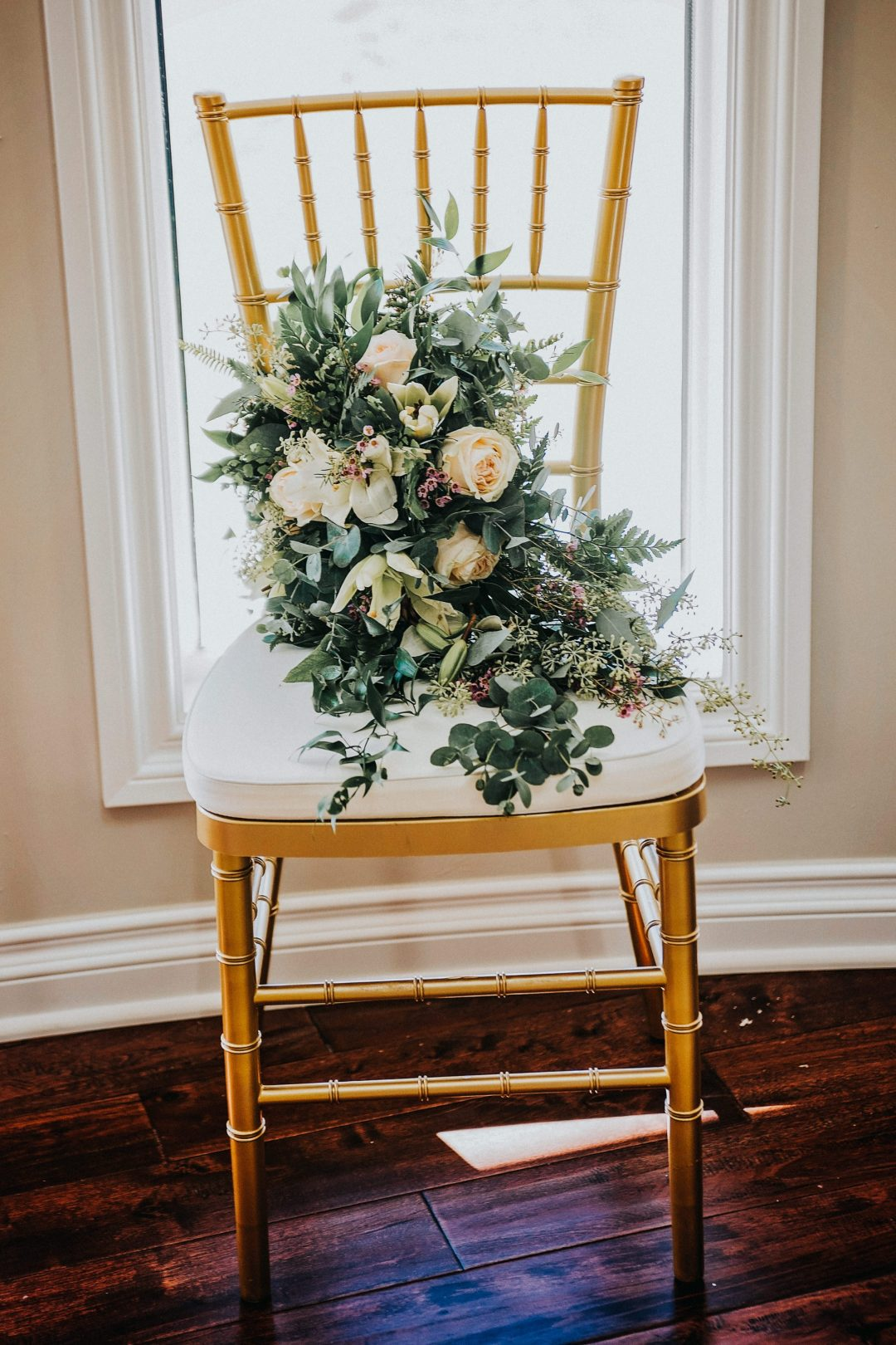 Detroit Chiavari Chairs Photo by Nova Rose