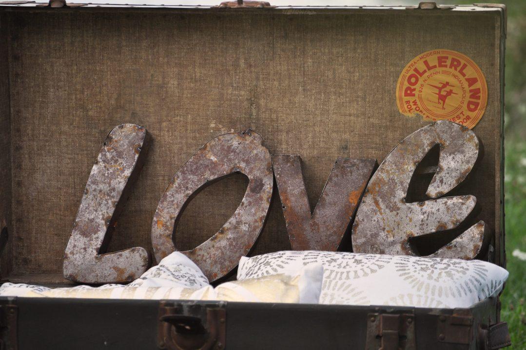Detroit Chiavari Rusty LOVE Letters
