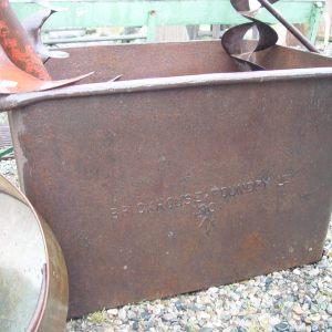 cast-iron-foundry-cistern