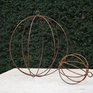hanging-spheres