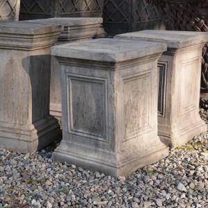 recessed-pedestal