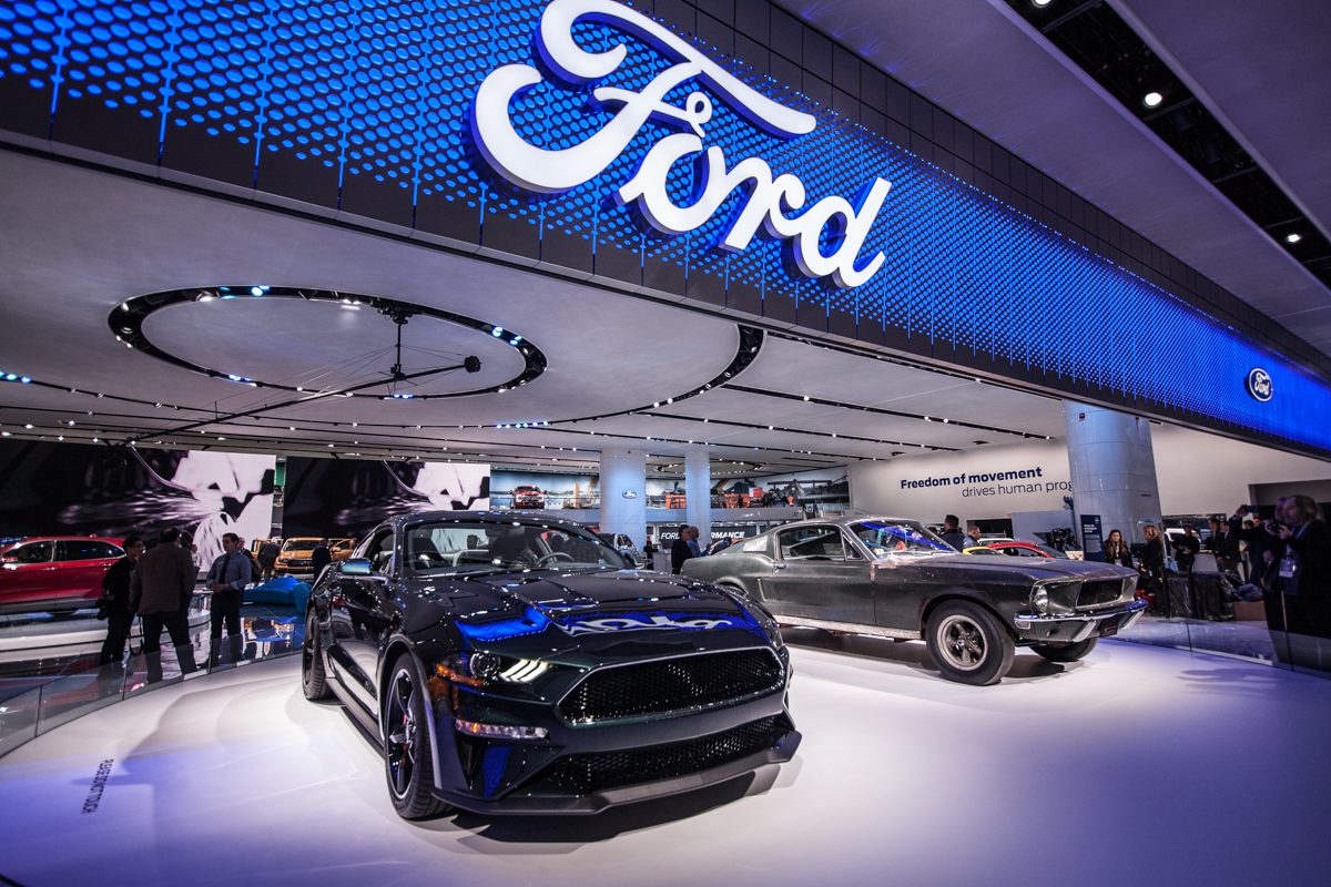 Glamour of the Newest Rides at NAIAS 2018 1