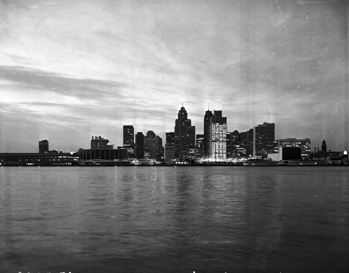 Pure Detroit Downtown Skyscraper Tour — Thursday, November 14 @ 2pm 6