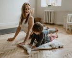 MOTHER AND KIDS YOGA MENTAL HEALTH. PHOTO VALERIA USHAKOVA / PEXELS