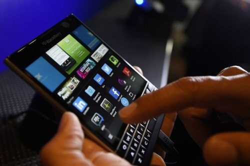 blackberry-lanzo-passport