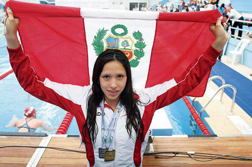 nadadora-trujillana-andrea-cedron-rompe-record-de-200-metros-libre