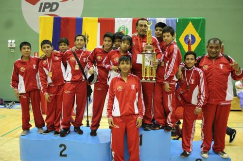 peru-se-corono-campeon-en-sudamericano-de-lucha-olimpica-categoria-menores