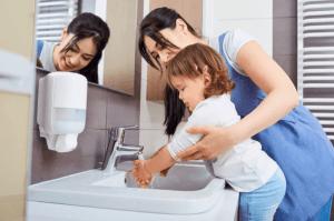 Почему важно мыть руки: учим ребенка правилам гигиены