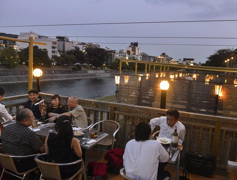 Kamo-gawa, restaurant i Kyoto, Japan