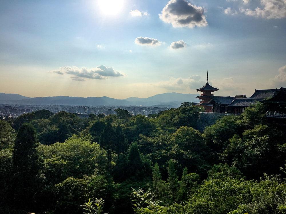 Kiyomizu-dera i Kyoto, Japan. Tempel.