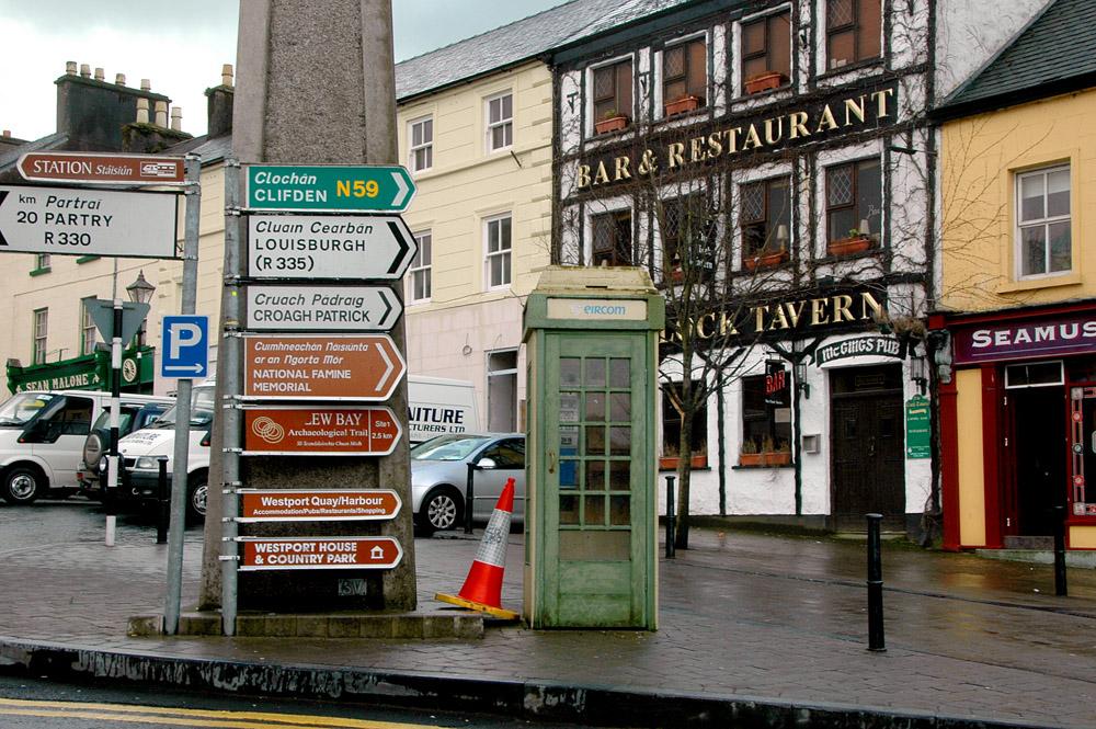Irland, Westport, gælisk skilt,
