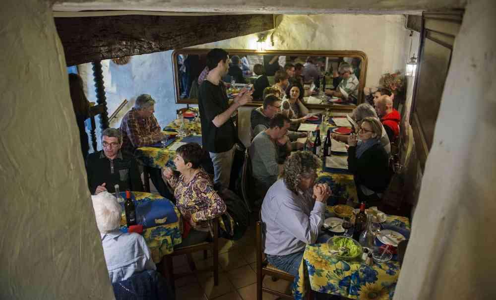 Restauranten La Petite Fontain i Collobrieres i Massif des Maures