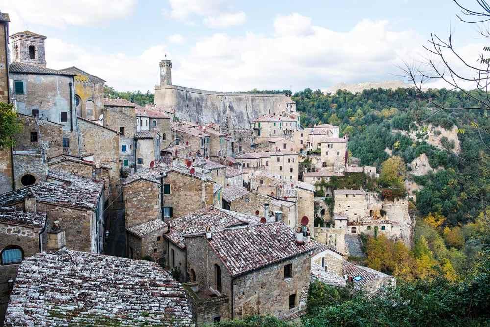 Tuffbyen Sorano i Toscana