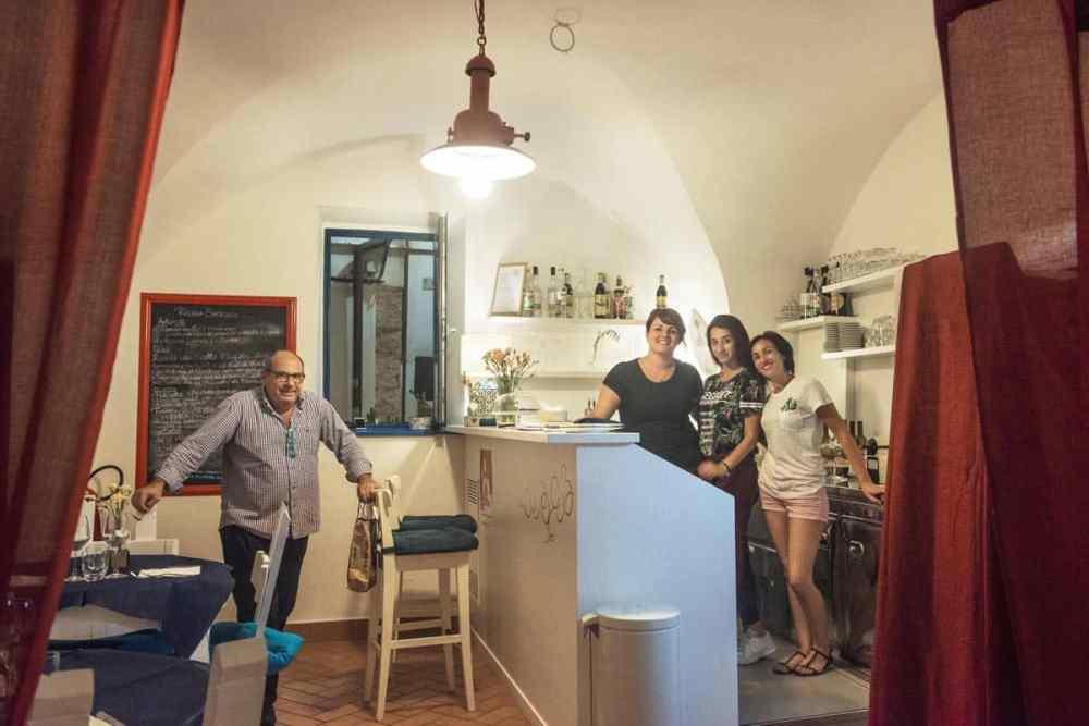 De ansatte i Ricciola Saracena i Sperlonga