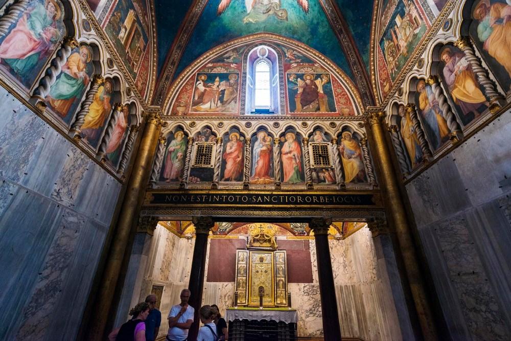 Sancta Sanctorum innenfor Scala Sancta i Roma