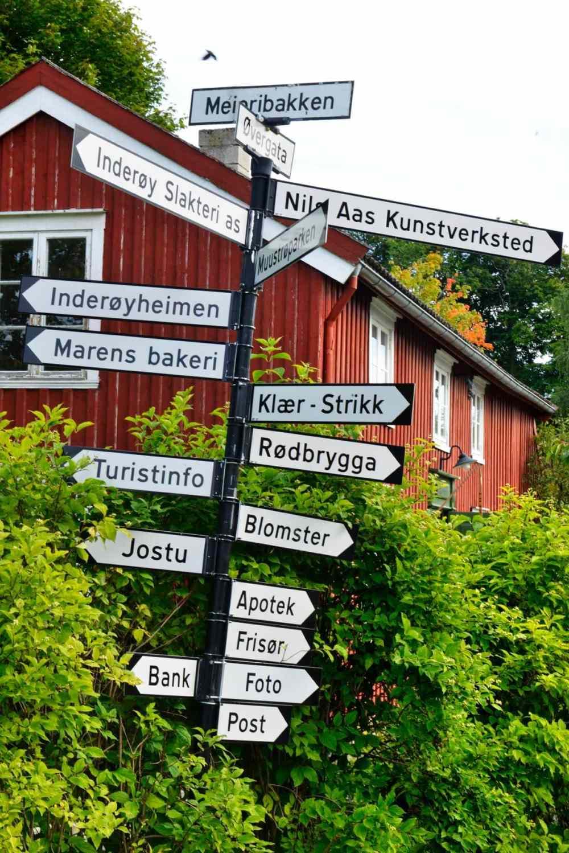 Veiskilt til attraksjoner i Straumen på Inderøy