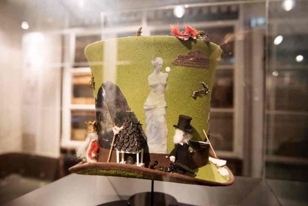Anne-Kathrine Amundsens Ibsen-hatt