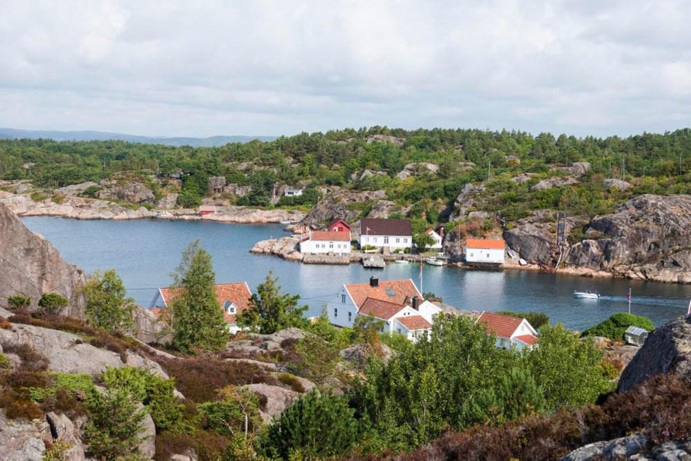 Ny-Hellesund i Søgne sett fra turstien på Kapelløya
