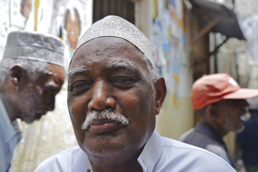 Mann med kofia på Lamu