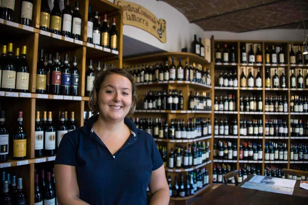 Vinbutikken Cantina Comunale i La Morra