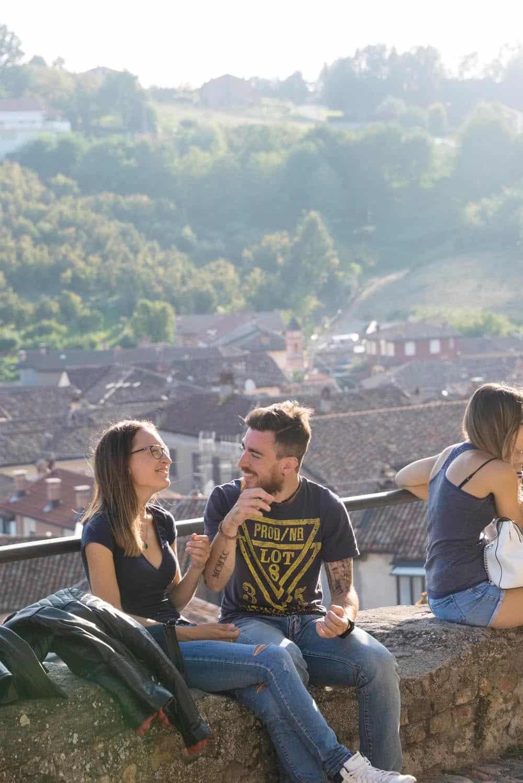Kjærestepar i La Morra i Barolo i Piemonte