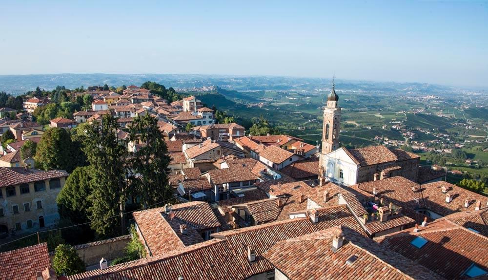 Utsikt over Piemonte fra tårnet i La Morra