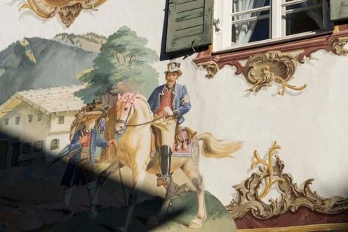 Freskevegg i Oberammergau i de tyske alpene