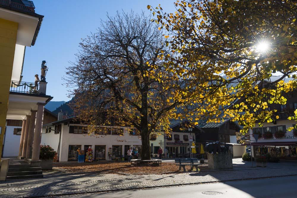 Oberammergau i høstsol
