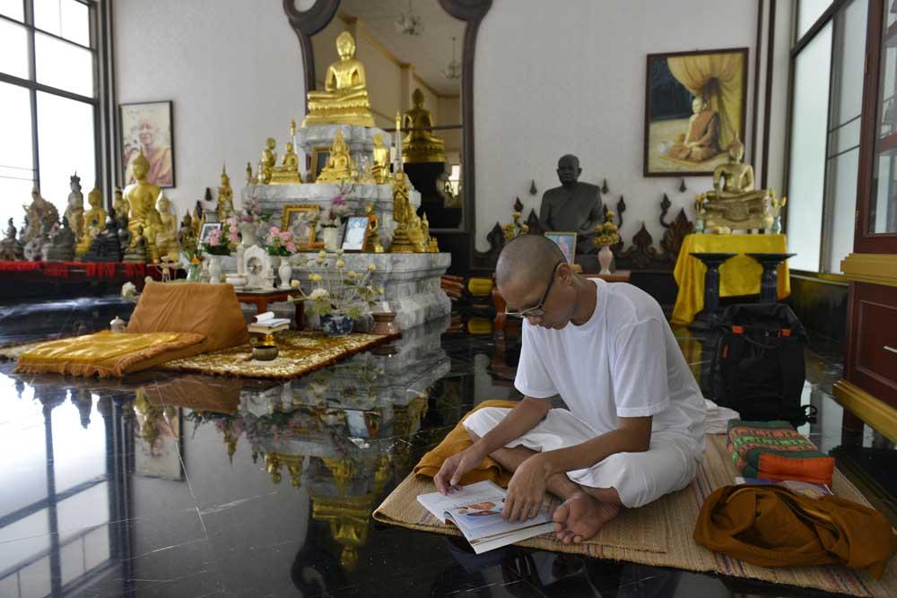 Novise i buddhistisk klostersal