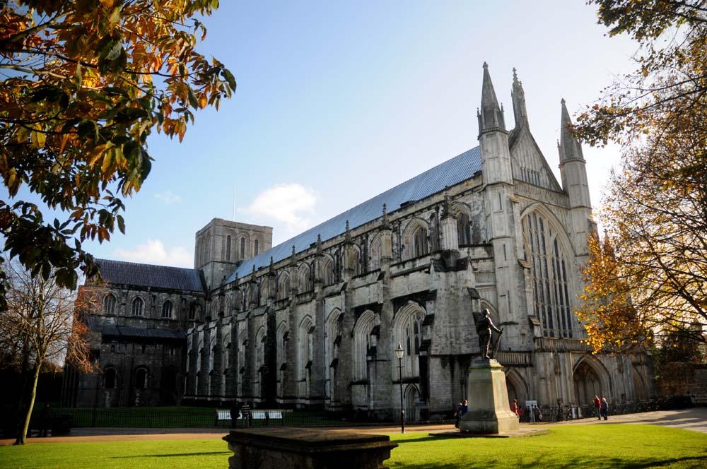 Winchester Cathedral sett utenfra