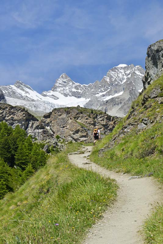 Sti mot Trift i de sveitsiske alpene