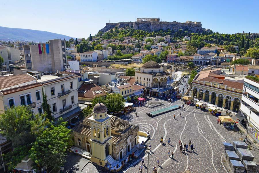 Utsikt over Monastiraki og Akropolis i Athen