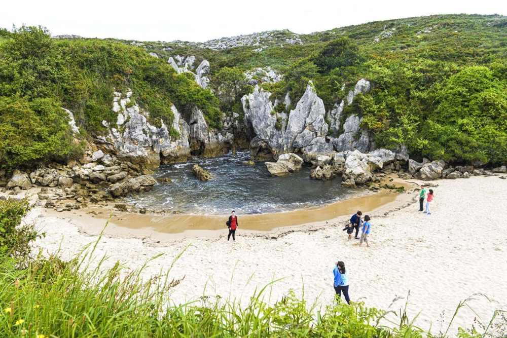 Stranda Playa de Gulpiyuru i Asturias