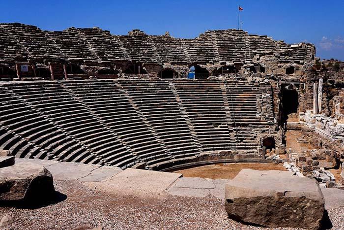 Amfiteateret i Side