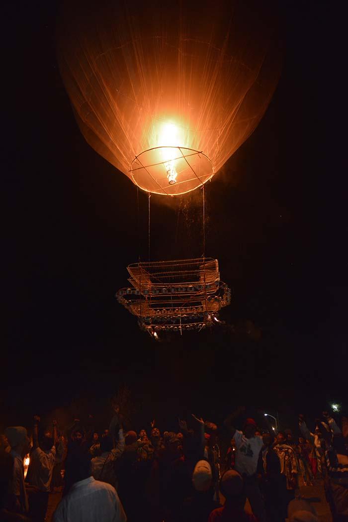 ballong under ballongfestivalen i myanmar