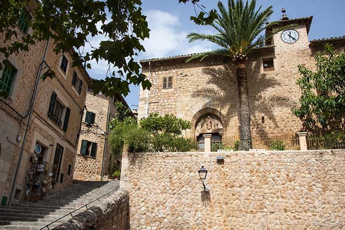 Rådhuset i landsbyen Fornalutx på Mallorca