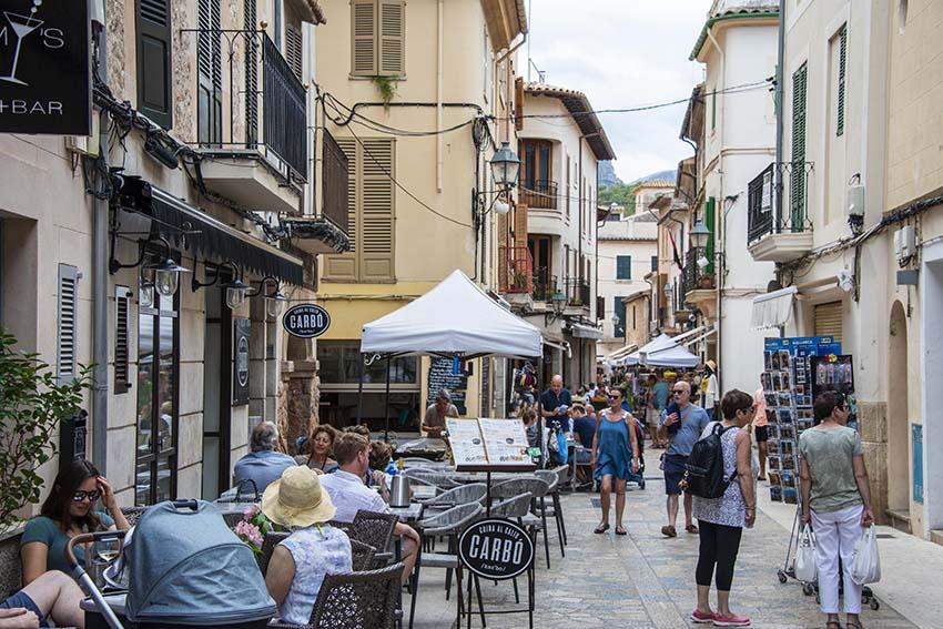 Gateri gamlebyen i Pollenca