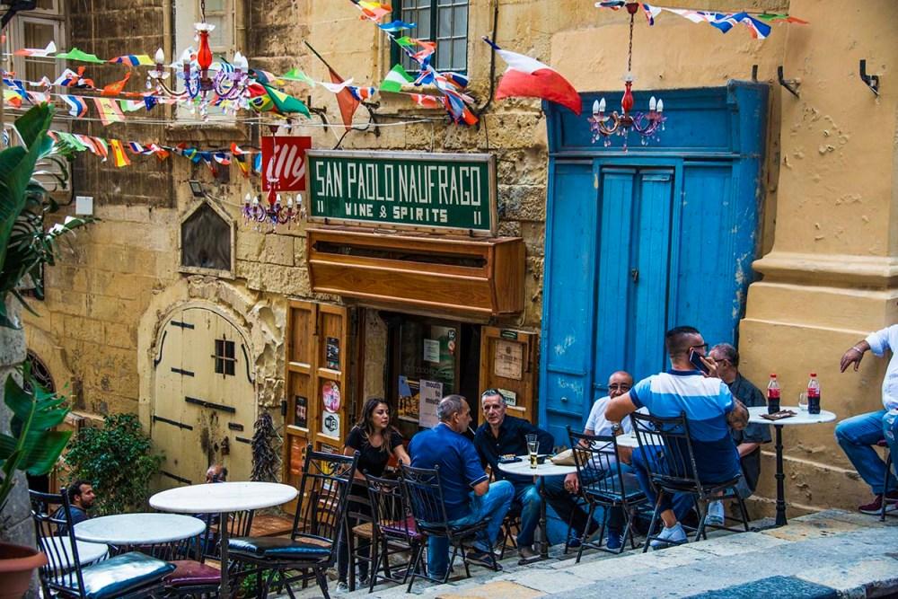 Bar i St Lucia Street i Valletta