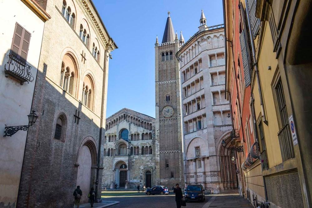 Katedralen og baptisteriet i Parma